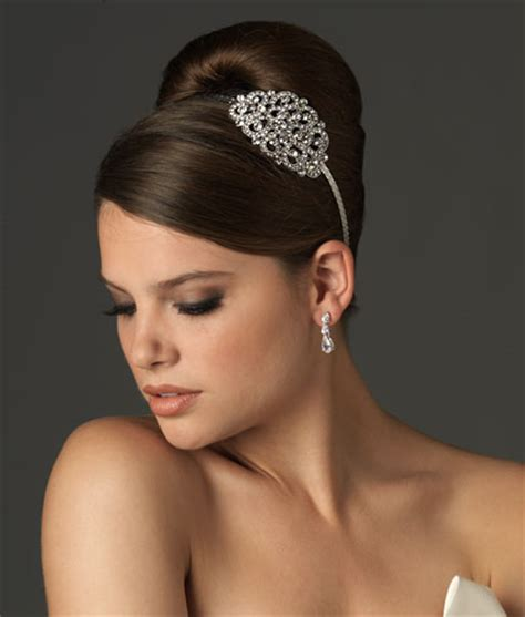 Wedding Hair Accessories Usa by Top Trends For Bridal Accessories 2012 Edition