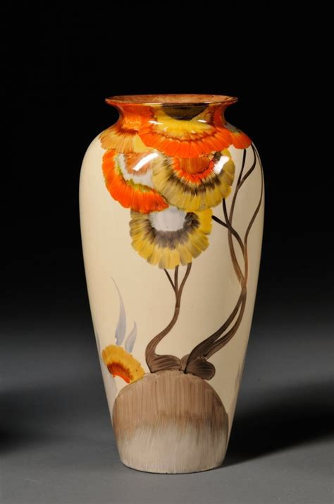 Clarice Cliff Vase by Pin By Deanna Hilbert On Clarice Cliff Pottery