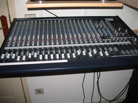Mixer Yamaha Mg 24 yamaha mg24 14fx image 312776 audiofanzine