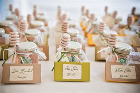 great wedding gift ideas on a budget wedding favors cool wedding gifts for guests unique cheap great favor popular inexpensive