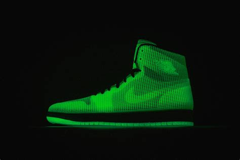 Nike Air 4 Lab 1 Glow In The Original Air 4lab1 Quot Glow Quot Arriving At Retailers