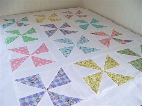 Easy Pinwheel Quilt Block by Sew Lovely Pinwheel Quilt Top