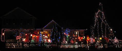 hollys tacky christmas lights in fairfax county virginia