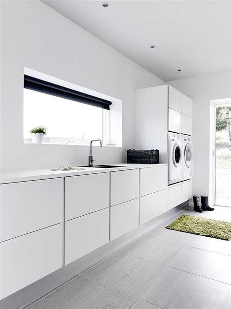 Contemporary Laundry Room Ideas 25 Best Ideas About Modern Laundry Rooms On Pinterest Modern Utility Shelves Laundry And