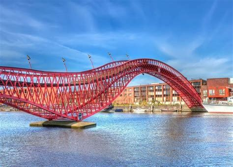 17 of the most beautiful bridges in the world wonders of engineering the most impressive bridges in the