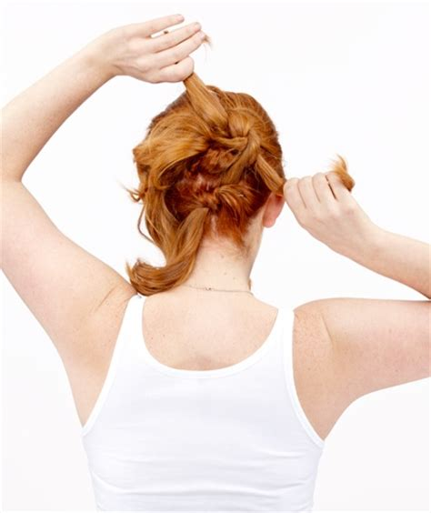 tutorial menata rambut pendek sendiri untuk ke pesta cara mudah menata gaya rambut knot up do kecantikan