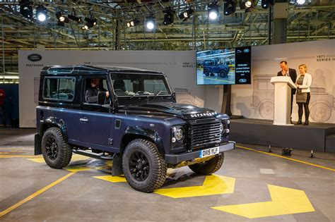 land rover vintage defender 2016 the last classic land rover defender 34 egmcartech