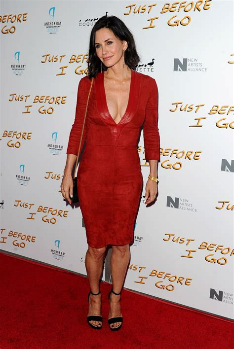 latest on courtney cox march 2015 courtney cox at just before i go premiere in hollywood