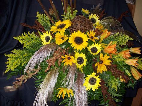 Sprei Sun Flower 1000 images about casket sprays on floral