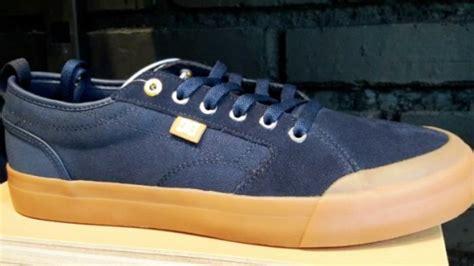 Harga Dc Shoes Evan Smith ini harga sepatu yang digunakan jokowi wow