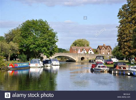 river thames boat hire abingdon abingdon bridge over river thames abingdon on thames