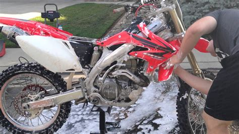 how to clean motocross how to wash and detail a dirt bike youtube