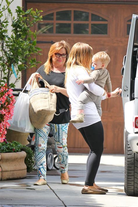 Other Designers Hilary Duff With Designer Travel Bags by Hilary Duff Sports A Brand New Tricolor Luggage