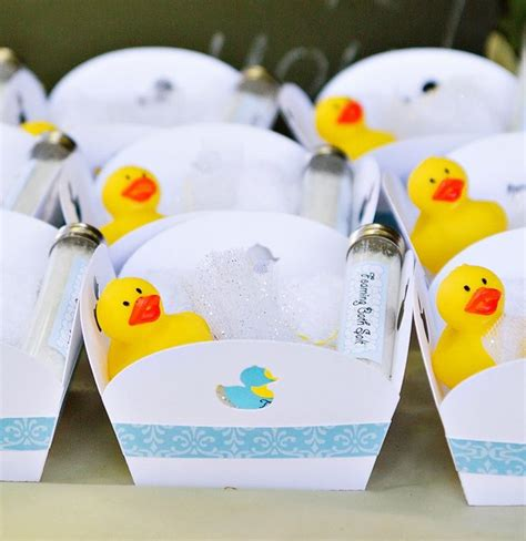 Rubber Duck Baby Shower Theme by Best 25 Ducky Baby Showers Ideas On Rubber