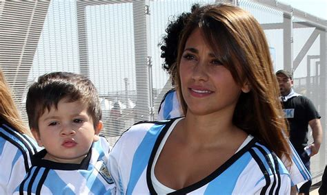 messi and wife lionel messi with son weneedfun