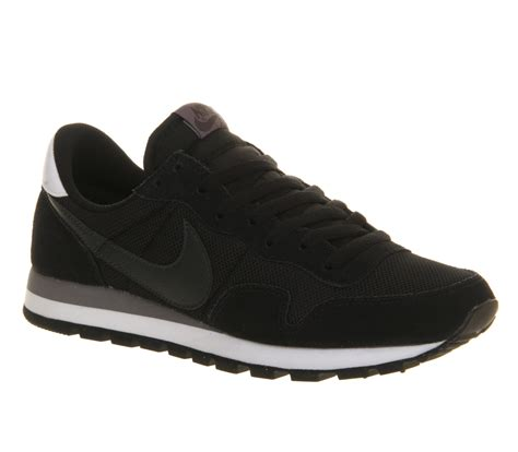 Nike Azr Vegasus Black nike air pegasus 83 black stadium his trainers