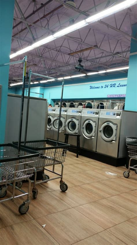 24 Hour Laundry Mat Near Me by 24 Hour Laundry 19 Photos 33 Reviews Cleaning