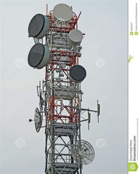 traliccio antenna traliccio con l antenna per la ripetizione fotografia