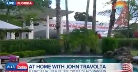john travolta house john travolta s house is a functional airport with two runways for his private planes