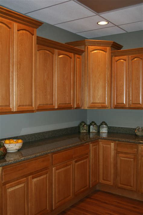 oak kitchen cabinets legacy oak kitchen cabinets home design traditional