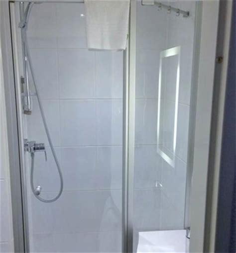 Kermi Shower Doors Kermi Shower Enclosures Add A Modern Clean Finish To Ibis Hotel Bathrooms
