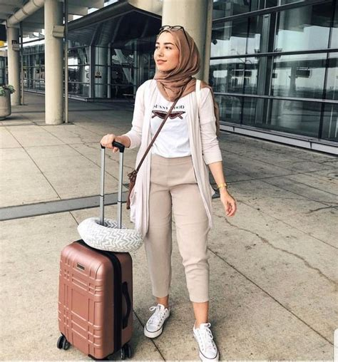 casual hijab wear styles  trendy women