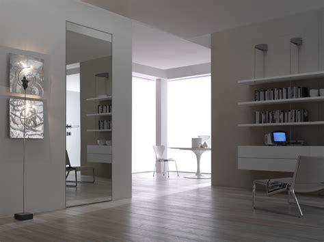 porta a specchio filomuro soluzioni per separare ambienti idee pavimenti