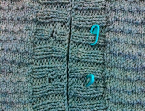 buttonhole stitch knitting how to line up buttons and buttonholes on knitwear
