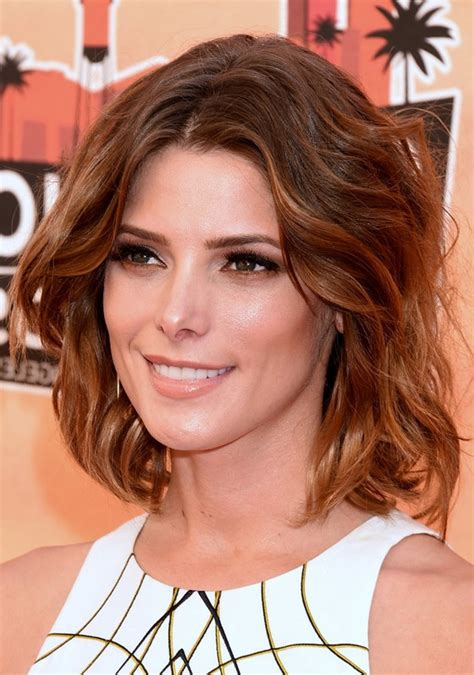 brunette medium hairstyles 2014 ashley greene medium brunette wavy hairstyle for summer