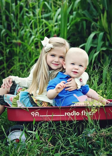 holiday sibling photography pinterest wagon ideas 21 ways to repurpose wagons