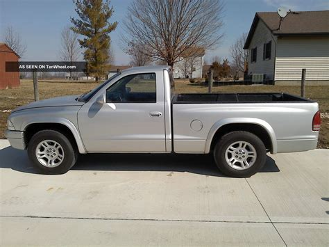 2004 dodge dakota base standard cab 2 door 3 7l