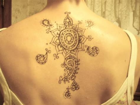 simple henna tattoo on back 24 henna tattoos on back