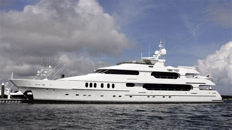 tiger woods boat tiger woods called his 20 million 155 foot yacht a