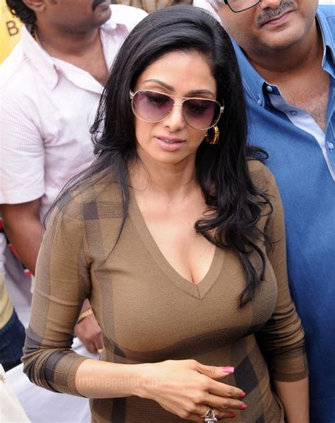 largest navel cleavage hip waist photo collections