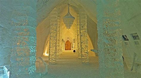 travel spotting ice hotel de glace  quebec canada