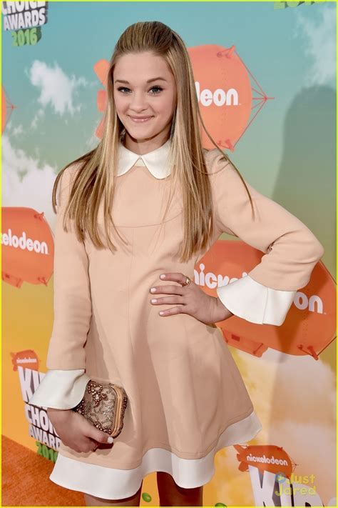 Full Sized Photo Of Lizzy Greene Nrdd Bros Kids Choice Awards Lizzy Greene Steps Out
