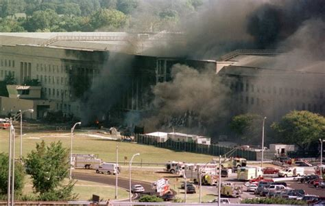 why planes crash files 2001 books photos remembering the 9 11 terrorist attacks on 16th