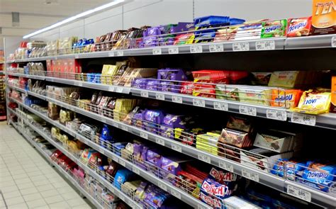 scaffale supermercato scaffalature arredo supermercati ferramenta svizzera ticino