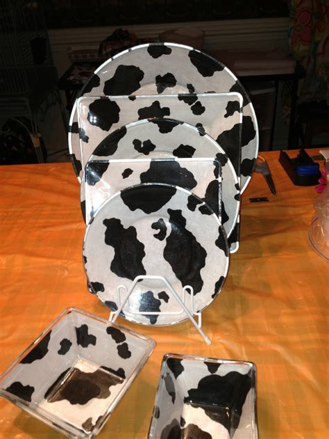 cow kitchen rug cow pictures for kitchen home design ideas and pictures