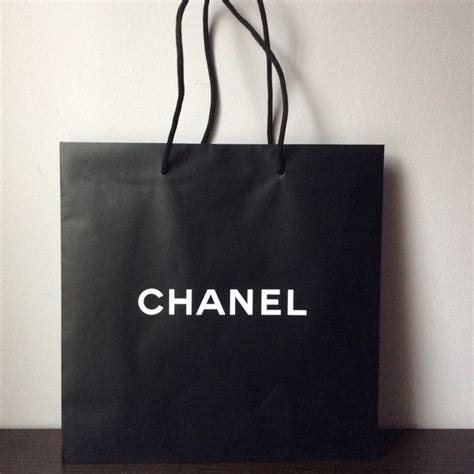 Paperbag Tas Chanel 70 chanel other authentic chanel medium paper shopping bag from vluxury s closet on poshmark