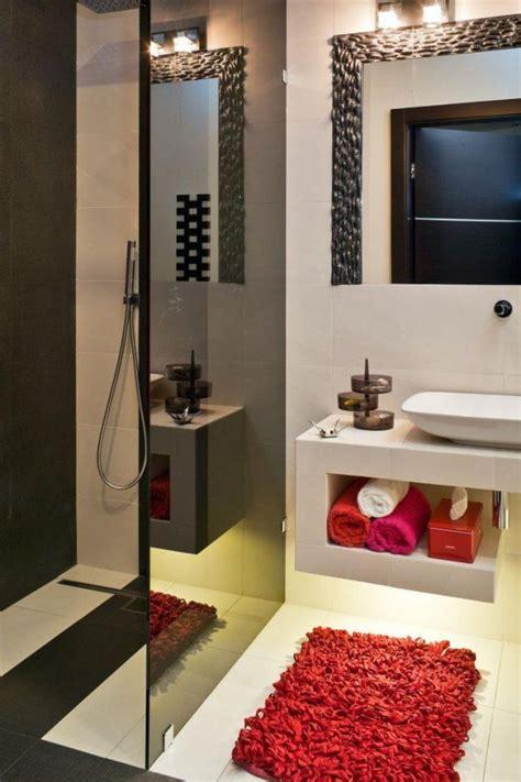 Kleines Bad Mit Offener Dusche by Offene Dusche Ohne T 252 R Schwarze Glaswand Rote Akzente Bad