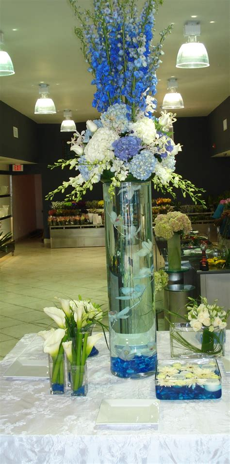 17 best images about blue wedding ideas on blue hydrangea centerpieces blue and