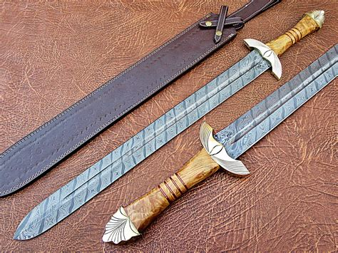 Handmade Swords Review - 31 quot forged collectible damascus sword