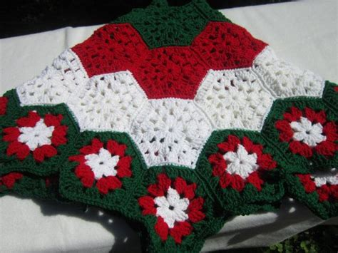 free crochet pattern for xmas tree skirt christmas tree skirt in red white and green traditional