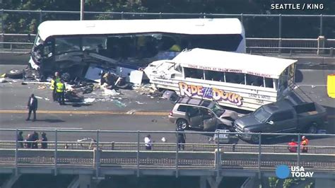 duck boat video reddit grizzly scene after duck boat collides with charter bus