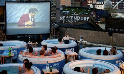 Bathtub Cinema by Tub Cinema A Wonderful Way To Celebrate The Summer
