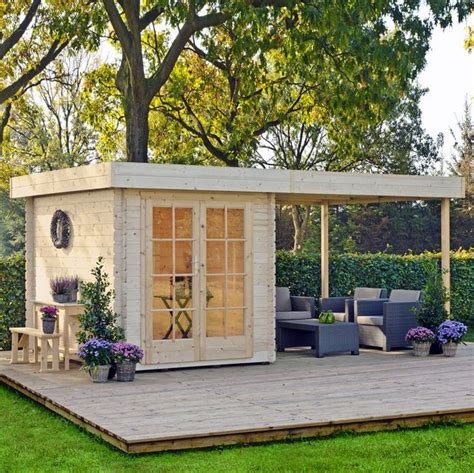 Building A Backyard Office by 1000 Ideas About Backyard Guest Houses On