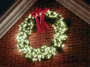 Outdoor Lighted Wreath Lighted Outdoor Wreath Home Wreaths Galore Wreaths Outdoor Wreaths And Outdoor