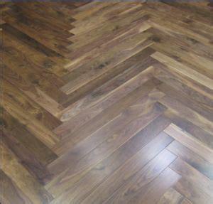China Herringbone Walnut Parquet /Engineered Hardwood
