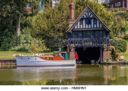 thames boat house boathouse goring on thames uk stock photo royalty free